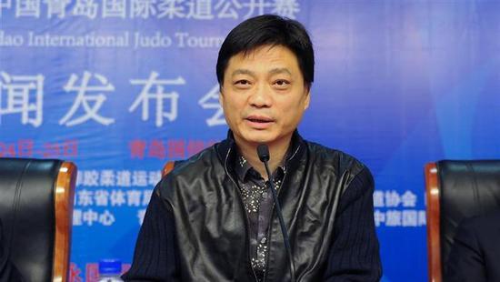 崔永元举报上海民警涉嫌违法违纪 警方回应