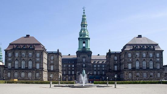 丹麦议会大厦克里斯钦堡宫。图片来源:视觉中国