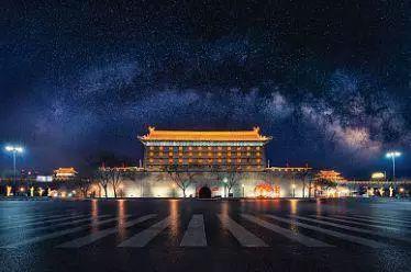 ▲西安长乐门星夜。  图/视觉中国