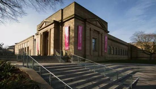 英国的博物馆严峻的资金挑战