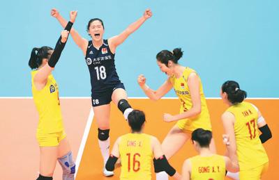 中国队球员在比赛中庆祝得分。新华社记者 杜潇逸摄