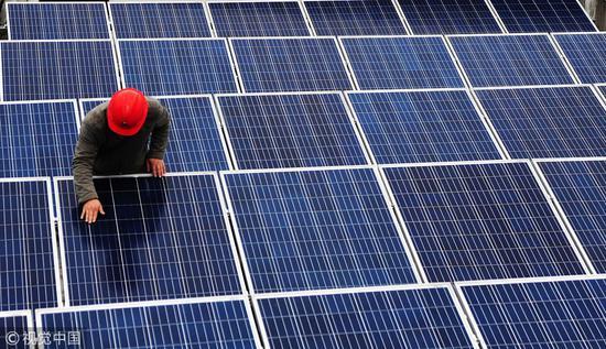 太阳能电池板 图自视觉中国