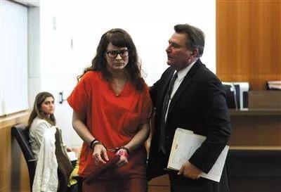 杀害江玥的凶手戴维斯出庭受审。图片来自网络