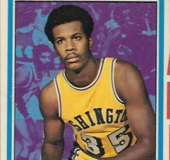 克米特·华盛顿是前NBA球员