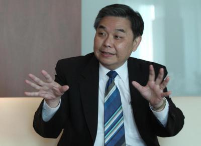 泰国财政部长阿比萨·丹迪瓦拉蓬/图自《曼谷邮报》