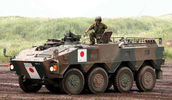 图为日本陆自装备的轮式装甲车