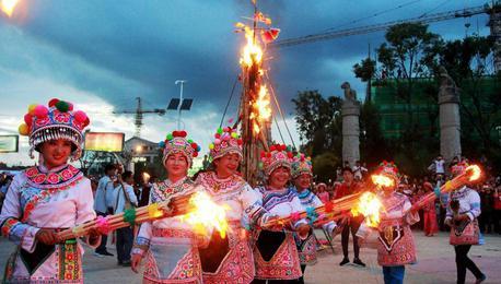 火火火!云南漾濞各族群众欢度火把狂欢节