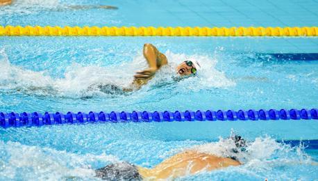 中国队破军运会赛会纪录 夺男子4×200米自由泳接力冠军
