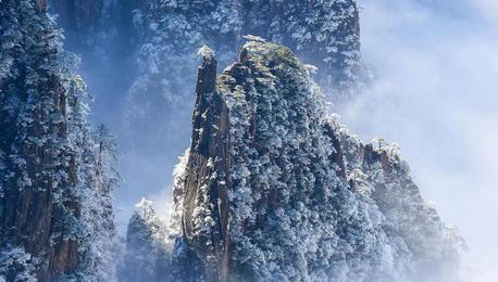 冬日黄山美景如画:雪后现壮观云海美景 群峦若隐若现如仙境
