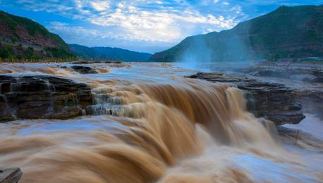 黄河壶口瀑布迎来最佳观赏季