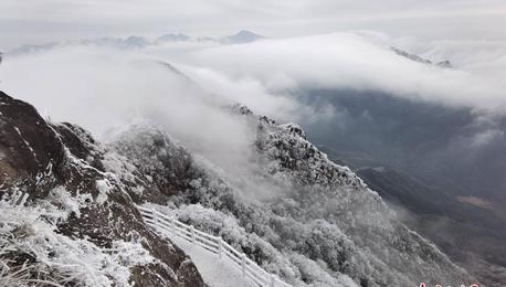 广东清远金子山雪景如画