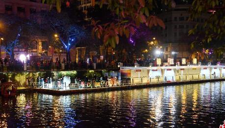 四川成都:夜幕下的锦江之美