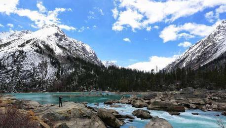 公路连起黄金旅游线——川藏线沿途景观