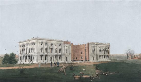"""战火破坏后的白宫,虽然许多人认为美国总统官邸要到1817年重建并刷白后才被称作白宫,但""""白宫""""这一称谓实际上早在1811年就已出现"""
