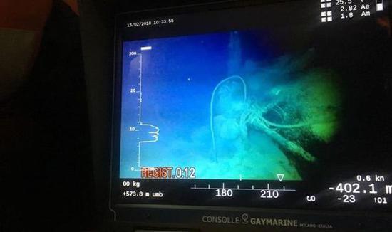潜艇残骸。