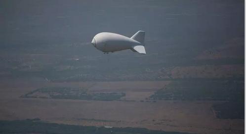 美墨边境上的海关边境巡逻监控气球(图 via AFP)