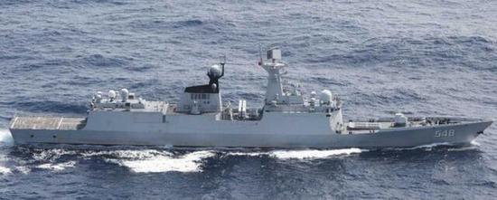 解放军益阳舰23日绕行台湾东部海域。(图源:日本防卫省统合幕僚监部)