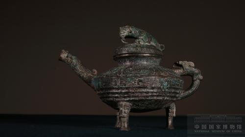 """青铜""""虎鎣""""。中国国家博物馆供图"""