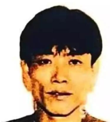 """香港""""新贼王""""本周出狱 因持美护照将被押送赴美"""