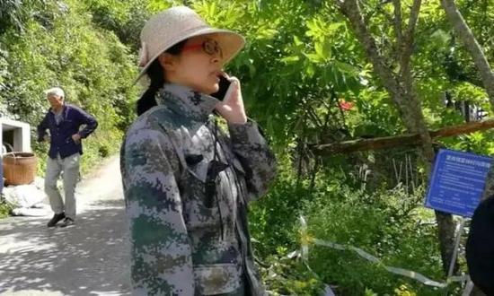 女镇长采访时哽咽失语:村民不理解 搬迁任务艰巨陈晓丹现任丈夫