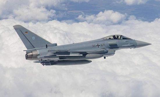 """图为德国空军装备的""""台风""""战斗机"""