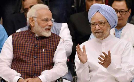 印度总理莫迪和前总理辛格 图片来源:新德里电视台网