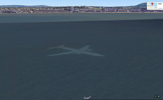 视频|海里有架飞机?男子用谷歌地图发现惊人画面