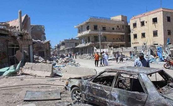 资料图片:饱受战火蹂躏的阿勒颇街道。(图片来源于网络)
