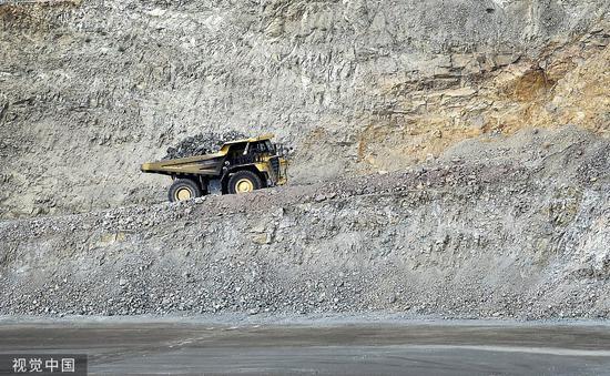 2015年6月29日,美国加利福尼亚州,莫利矿业开采稀土矿。 图自视觉中国