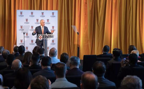 """▲澳大利亚总理特恩布尔7日在悉尼列席活动时发扮演讲,盛赞中澳两国在创新和技术研发范畴协作带来的胜利,并希望同中国盘绕""""一带一路""""项目展开协作。"""
