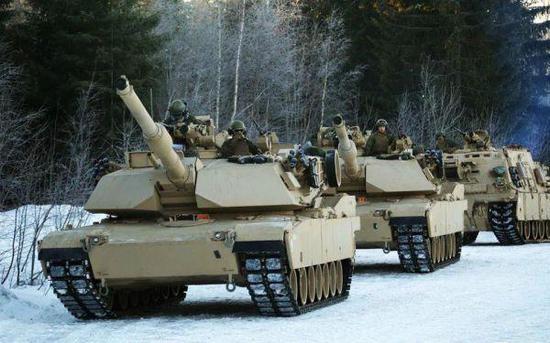 美海军陆战队M1A1坦克部队在北极圈军演。