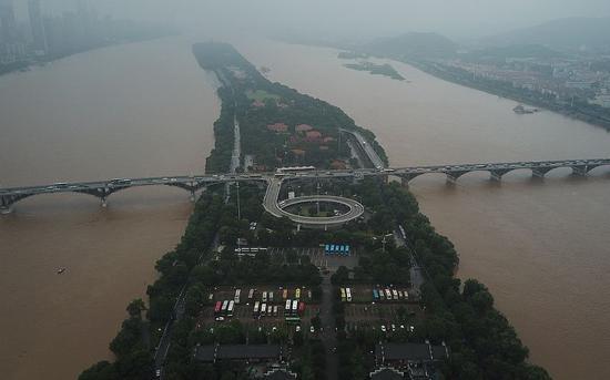 百米湘江被填埋 为何举报1年都没结果