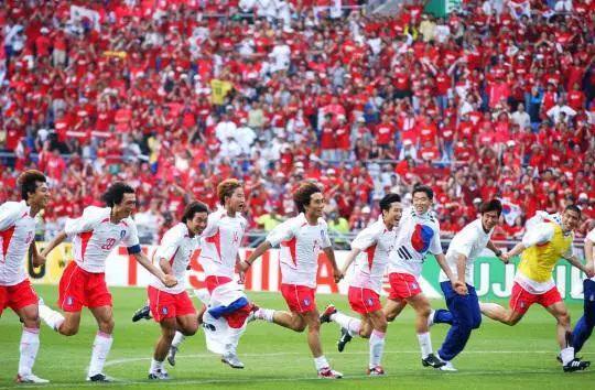 ▲资料图片:2002年世界杯,韩国挺进四强。