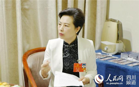 全国人大代表、资阳市市长吴旭