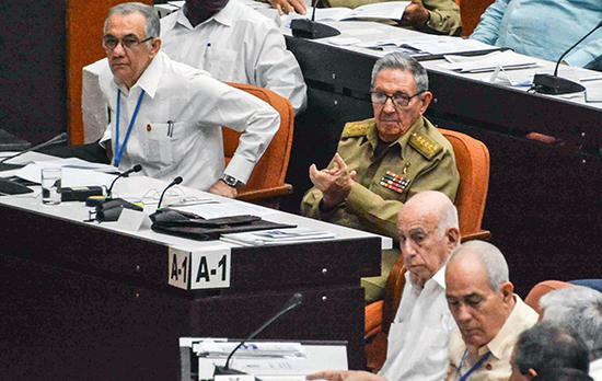 当地时间2018年7月21日,古巴哈瓦那,古巴全国人民政权代表大会举行全体会议就宪法修正案草案进行审议。视觉中国 图