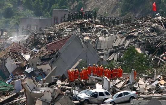 我与汶川:这场地震改变了我的人生观斩钉截铁的意思