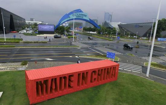根据中国自身经验,实现中国崛起的正确路线就是继续深化改革、扩大开放。图为深圳前海。(毛思倩摄)