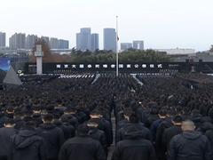 现场:南京大屠杀死难者国家公祭日现场 全城鸣笛默哀