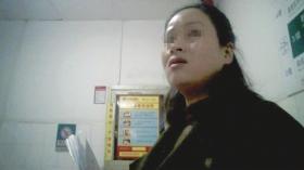 12月26日下午,湖南省人民医院,两名医托先后忽悠患者去东华医院做人流。图/视频截图