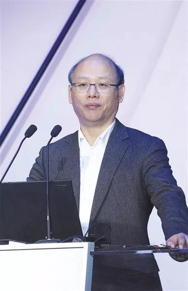 ▲首都经贸大学副校长、京津冀协同生长团结创新中央主任杨开忠
