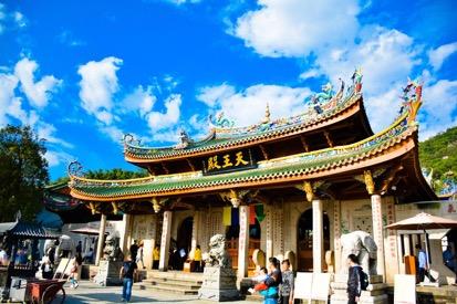 南普陀始建于唐朝末年为千年古刹,称为泗洲寺。