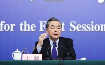 """王毅:""""中国崩溃论""""已成国际笑柄 """"中国威胁论""""可以休矣"""