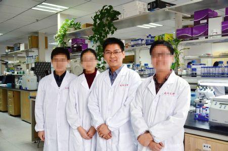 """一共几个猴?武汉大学长江学者""""造假""""纷争背后"""