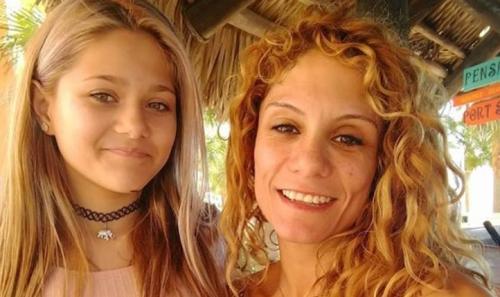 加比和她的母亲(来源:CNN)