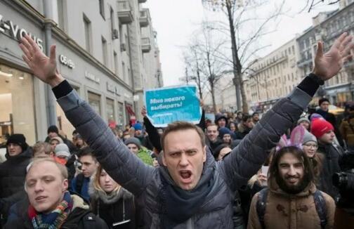 俄反对派领袖纳瓦尔尼再次被捕。(图源:推特)