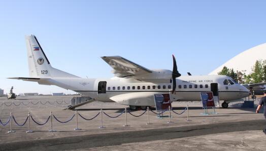 23日,菲律宾空军带着记者赴黄岩岛上空进行海上巡逻。(图源:Rappler新闻网)