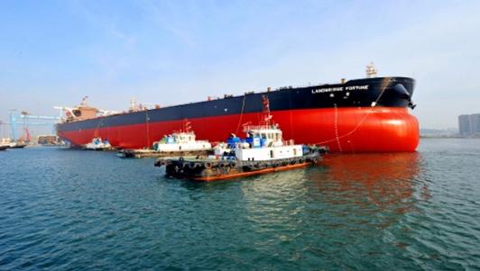 中國大陸嵐橋集團VLCC船隊首艦,排水量30.8萬噸的「瑞豐號」。 資料圖