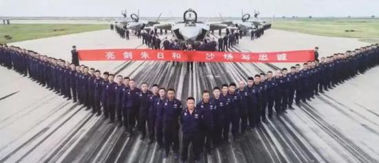 △歼-20参加朱日和阅兵