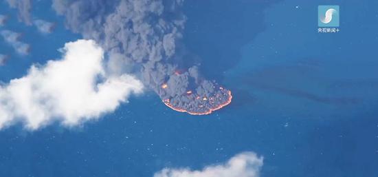 航拍:桑吉轮溢油面积达10平方公里 残油仍在燃烧