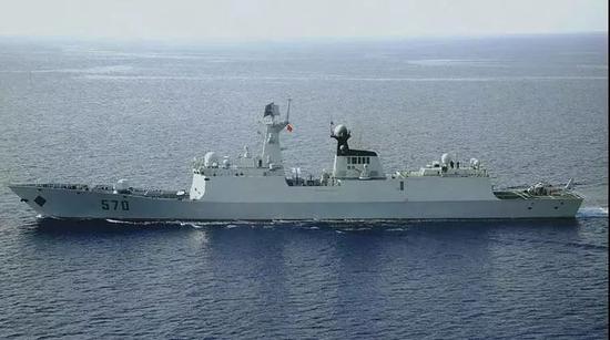 """△""""黄山""""号导弹护卫舰"""